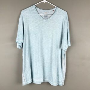 Tommy Bahama Men's light blue v Neck t-shirt